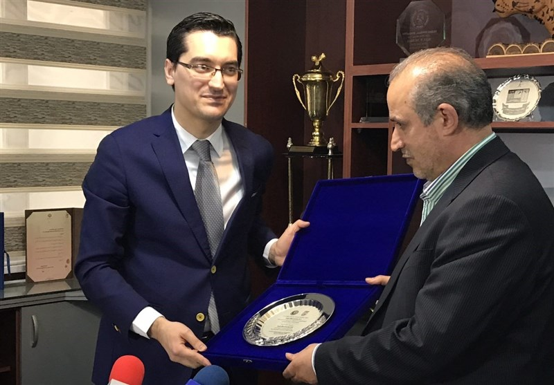 Iran, Romania Football Federations Ink MoU