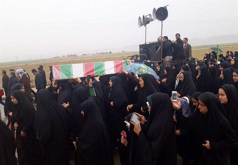پیکر پاک مادر شهید دفاع مقدس در هفتگل تشییع شد