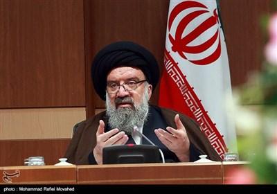 آیتالله خاتمی: مذاکره ایران با آمریکا احمقانه است/کسانی که بیانیه را امضا کردند از مردم ایران عذرخواهی کنند
