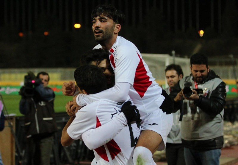 Persepolis Moves Eight Points Clear at Top of IPL