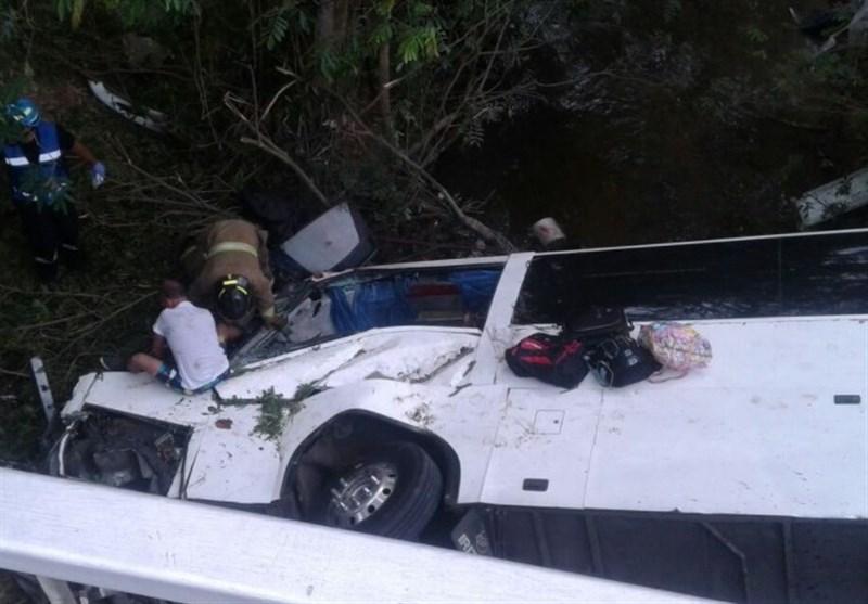 پانامہ: مسافر بس حادثے میں 16 افراد ہلاک، 37 زخمی