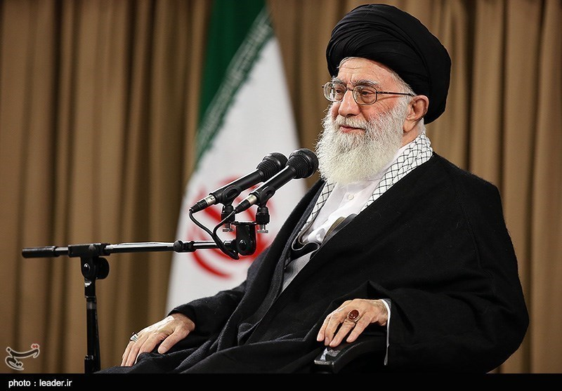 """""""راہیان نور"""" کمپین کے مسئولین و خدام کی امام خامنہ ای سے ملاقات"""