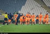 دیدار تیم های فوتبال سایپا و استقلال