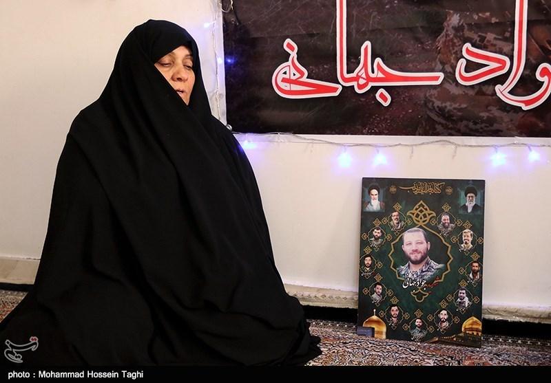 """مادر شهید جهانی: خودم هم دوست دارم """"شهید"""" شوم/ جواد میگفت """"باید برویم تا یک آجر از حرم حضرت زینب(س) کم نشود"""