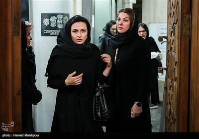 لاله اسکندری و گلاره عباسی در مراسم یادبود زندهیاد علی معلم