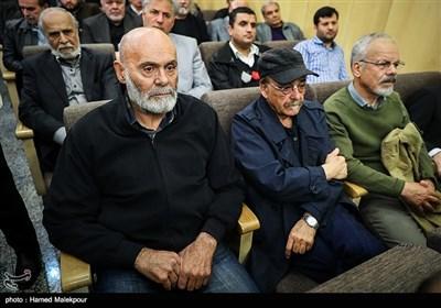 رضا بابک و جمشید هاشمپور در مراسم یادبود زندهیاد علی معلم