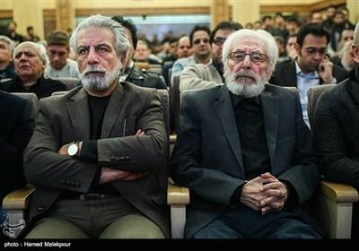 جمشید مشایخی و منوچهر شاهسواری مدیرعامل خانه سینما در مراسم یادبود زندهیاد علی معلم
