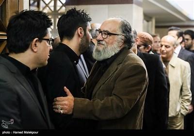 داریوش ارجمند در مراسم یادبود زندهیاد علی معلم