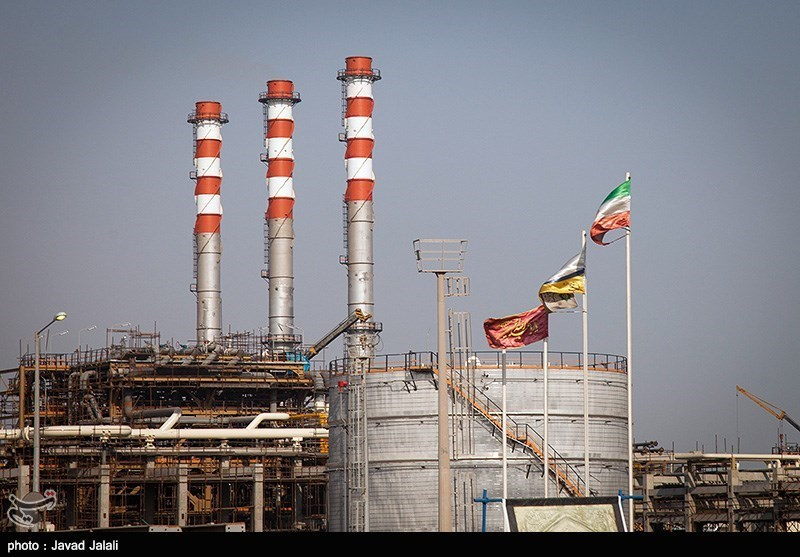 """بارگذاری اسناد معاملات فرآوردههای نفتی در سامانه """"ثامن"""" الزامی شد"""