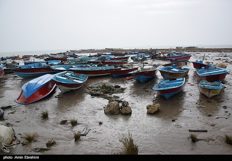 2nd body found after rising sea water inundates iran s for Porte 7th sea