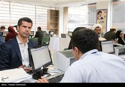 هادی ساعی در اولین روز ثبتنام انتخابات شورای شهر تهران