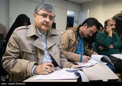 مجيد سرسنگی در اولین روز ثبتنام انتخابات شورای شهر تهران