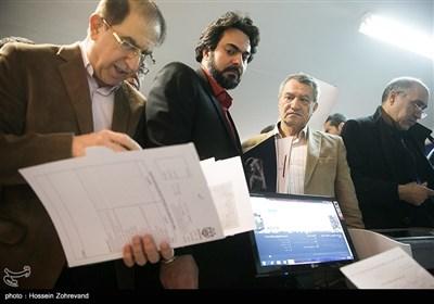 محمد حقانی در اولین روز ثبتنام انتخابات شورای شهر تهران