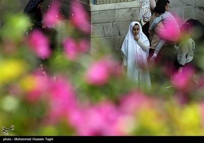 حرم امام رضا علیہ السلام میں نئے سال کے آغاز پر جذبات بھرے لحظات