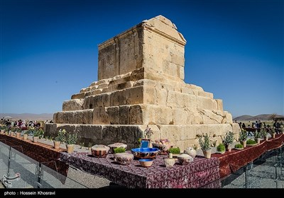 Iran's Beauties in Photos: Pasargadae during Nowruz
