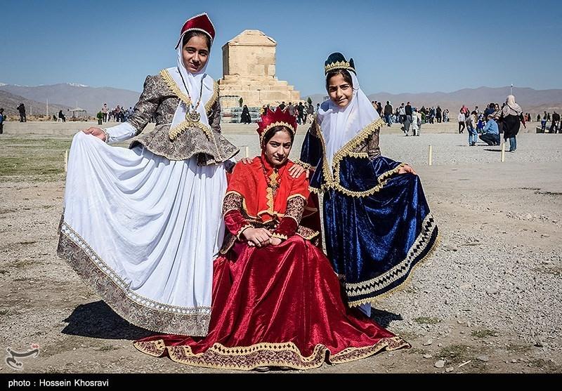 تدوین برنامههای فرهنگی بزرگداشت کوروش در سال 97 - اخبار تسنیم - Tasnim