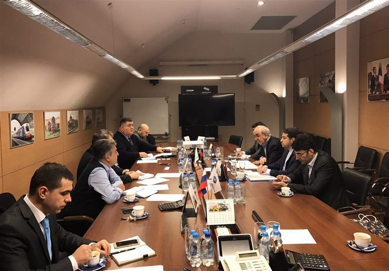 Iran, Russia Finalize Deal on Production of Railroad Cars
