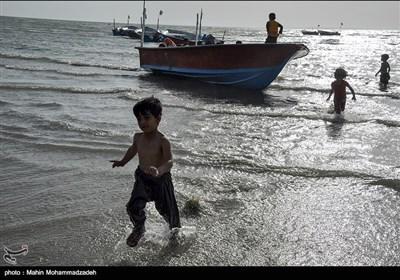 التنزه على شاطىء جابهار