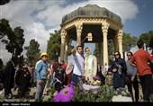 چرا فال حافظ حال آدمی را خوب میکند/ آرامگاهی که انتخاب اول گردشگران جهان است