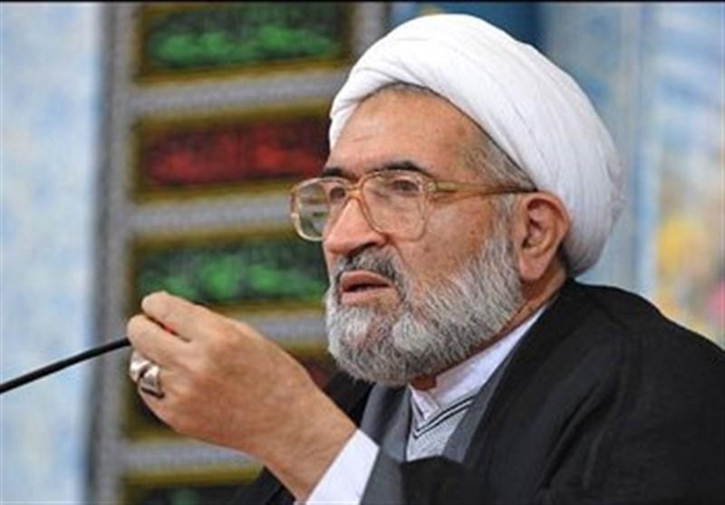 حجتالاسلام آشتیانی: دشمن با ترویج بدحجابی در جامعه قصد حرمتشکنی دارد