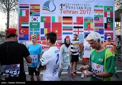 ایران کے دارالحکومت تہران میں منعقد ہونے والی پہلی بین الاقوامی میراتھن ریس کی تصویری جھلکیاں
