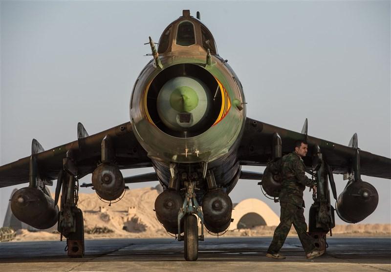 روسیه ستون نظامی داعش در رقه سوریه را منهدم کرد+فیلم