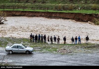 أمطار غزیرة وسیول فی مدینتی تبریز وارومیة شمال غربی ایران