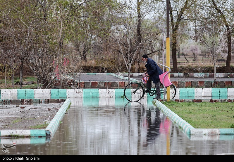 بارش باران و جاری شدن سیلاب در تبریز و ارومیه