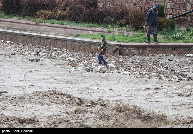 انتقال جسد 10 قربانی سیل آذربایجان شرقی به پزشکی قانونی