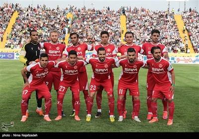 دیدار تیم های فوتبال پدیده و تراکتورسازی