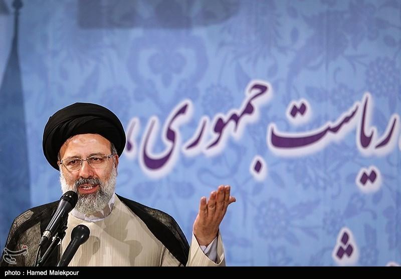استقبال حجت الاسلام رئیسی از مناظره زنده تلویزیونی