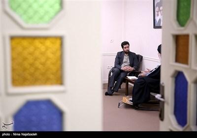 نشست صمیمی آیت الله علم الهدی و محمد اسماعیل شیخ خوانی مدیر دفتر استانی خبرگزاری تسنیم