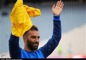 Ex-Esteghlal Defender Omranzadeh Hangs Up Boots