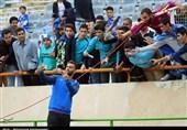 خوشوبش عمرانزاده با استقلالیها در فرودگاه