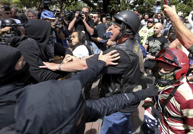 Pro-Trump, Anti-Trump Protesters Clash in Berkeley, California