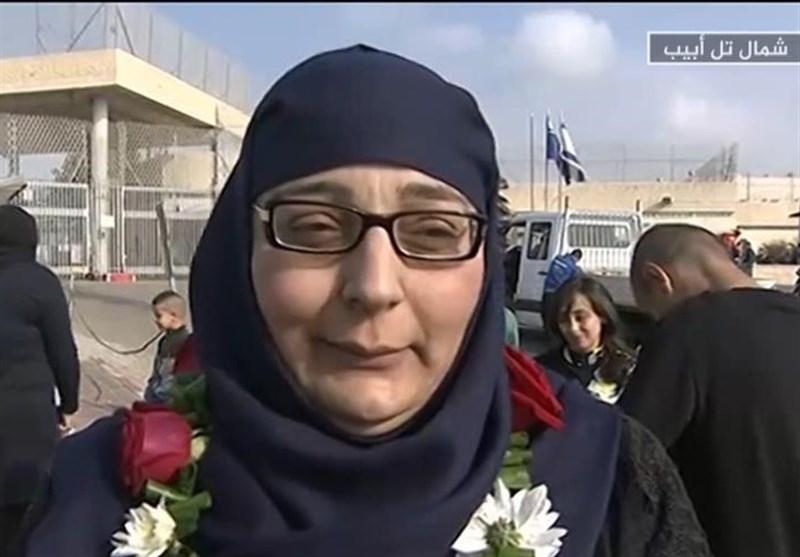 «لینا الجربونی».. مدرسة التضحیة والمقاومة تعانق الحریة+صور وفیدیو