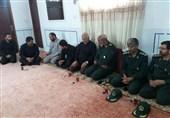 دیدار فرمانده قرارگاه قدس سپاه با خانواده شهید تکاور عالی + عکس