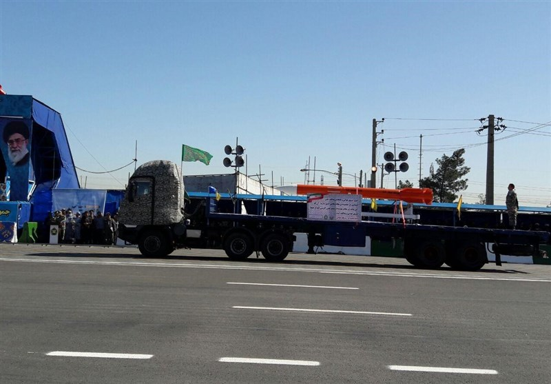 Iran Displays Sayyad-3 Long-Range Missile in Parade