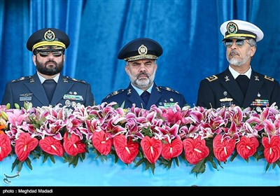 Military Parades Held in Tehran to Mark National Army Day