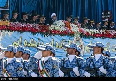 تہران؛ فوج کے قومی دن کے موقع پر شاندار پریڈ