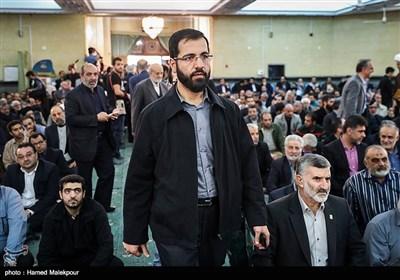 حسین سیب سرخی در مراسم ختم والده برادران طاهری مادحین اهل بیت(ع)