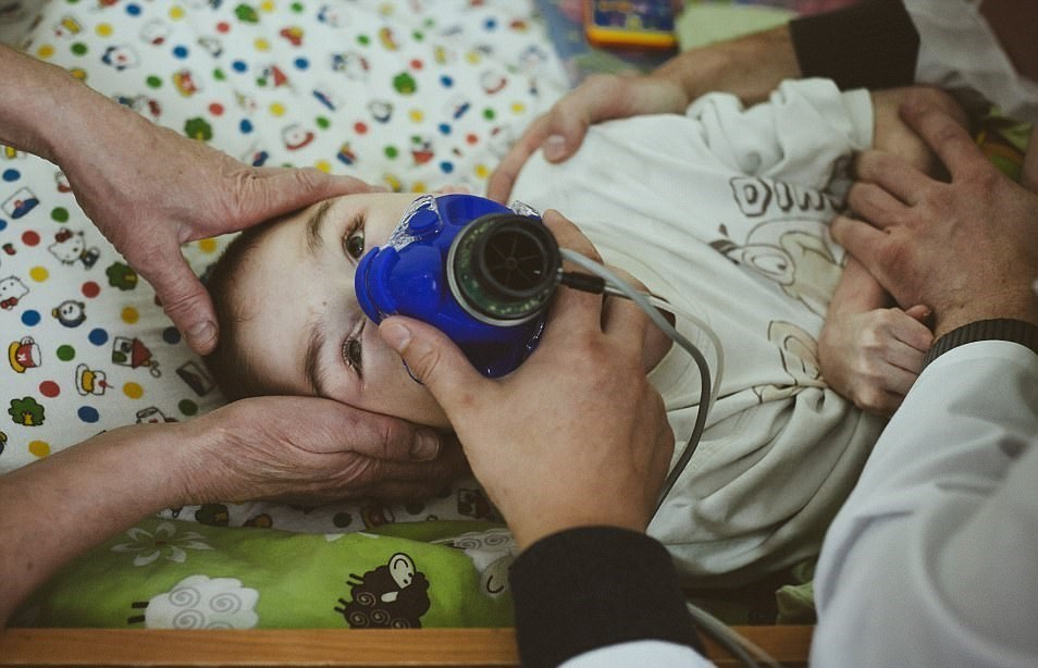 کشف 100 کودک گرسنه و دچار سوء تغذیه در یک پرورشگاه+عکس