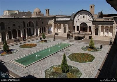 خانه تاریخی طباطبایی دور نمای مسجد چهل دختران