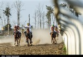 مسابقات اسبدوانی کورس بهاره کشور در گنبدکاووس آغاز شد