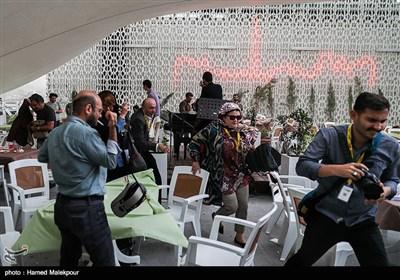 مهمانان جشنواره به دلیل طوفان و گرد و خاک در حال ترک بام پردیس چارسو هستند