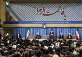 امام خامنهای خطاب به نامزدهای انتخابات: به مردم قول بدهید که برای بازکردن گرهها نگاهتان به بیرون از مرزها نباشد