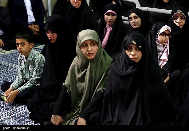 Leader Meets Iranian Officials, Muslim Countries' Ambassadors on Eid al-Mab'ath