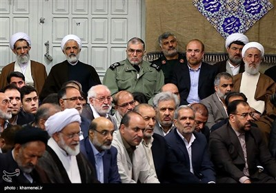 Leader Meets Iranian Officials, Muslim Countries' Ambassadors on Eid al-Mab'ath