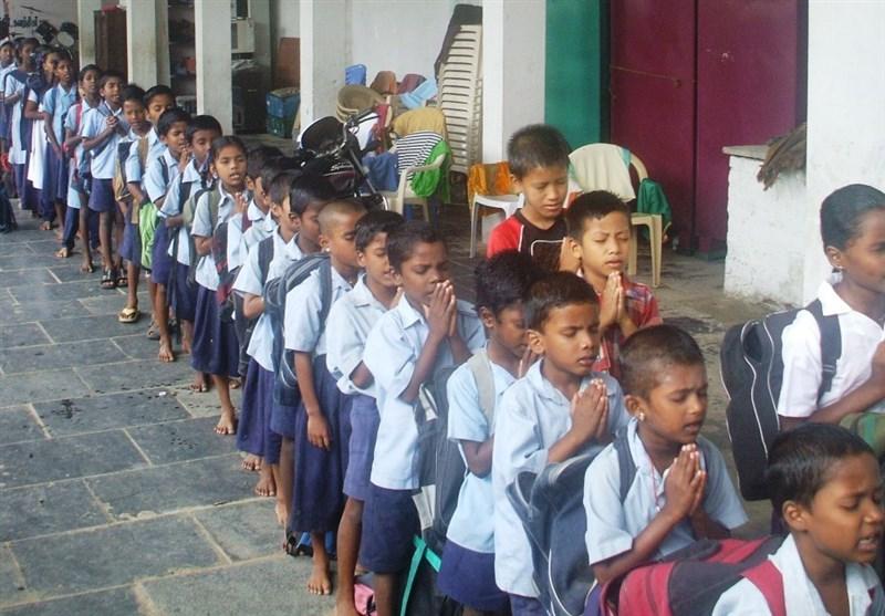 بھارت گردی: طلبا کے سکول میں انڈے اور گوشت لانے پر پابندی