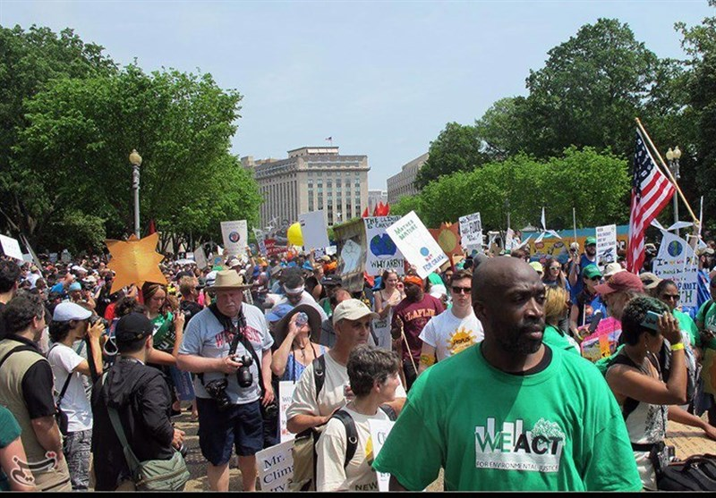 1000s Protest Trump's Climate Change Policies (+Photos)